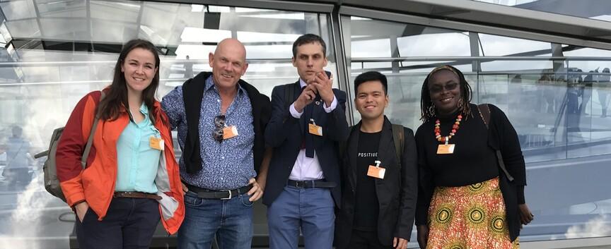 Foto - mit den Interviewpartnern auf der Reichtagskuppel - Foto P Wiessner