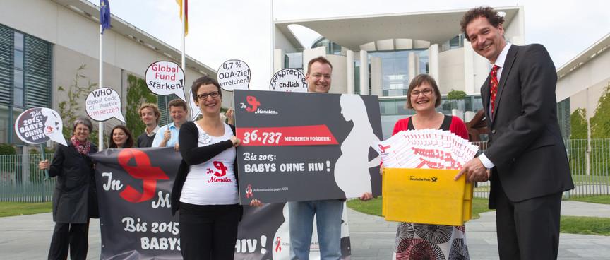 """""""In 9 Monaten"""" - Kampagne Unterschriftenübergabe 29.5.2012"""