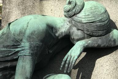 Grabmahl auf einem Nürnberger Friedhof - copyright - Peter Wiessner