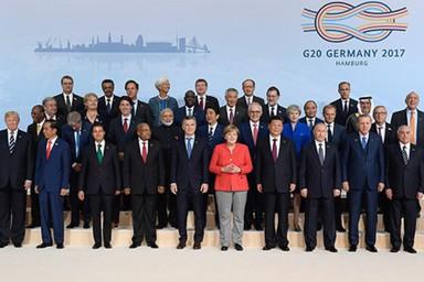 Traditionelles Gruppenfoto der Teilnehmer des G20-Gipfels in Hamburg