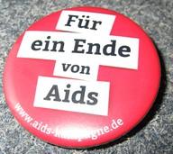 """Button """"Für ein Ende von Aids"""""""