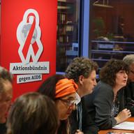 """Foto: Marc Darchinger. Veranstaltung des Aktionsbündnis gegen AIDS im Deutschen Bundestag zur Kampagne """"Kinder ohne Aids - Medikamente und Tests für Alle!""""; Berlin, November 2014"""