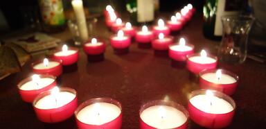 Ökumenischer Effata-Gottesdienst im Dunkeln. Kirchengruppe der Aids-Hilfe Heidelberg. Mai 2014